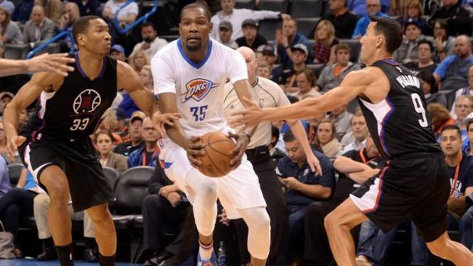 Pertandingan Oklahoma City Thunder vs Los Angeles Clippers.