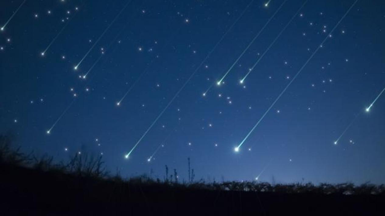 Banyak Meteor Jatuh
