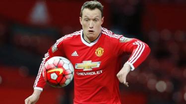 Pemain belakang Manchester United, Phil Jones.