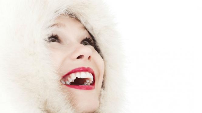 Ilustrasi wanita tertawa