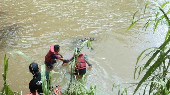 Ilustrasi mayat ditemukan di sungai.