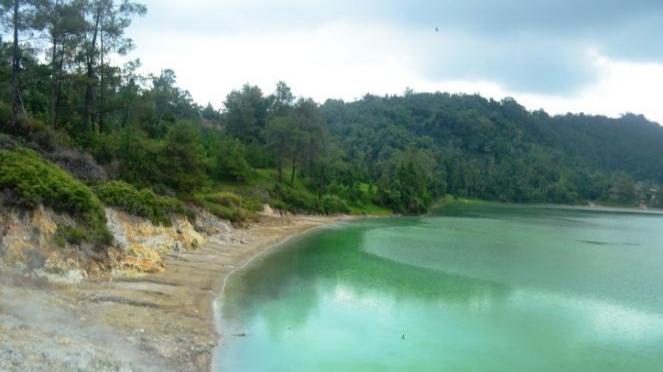Danau Linow.