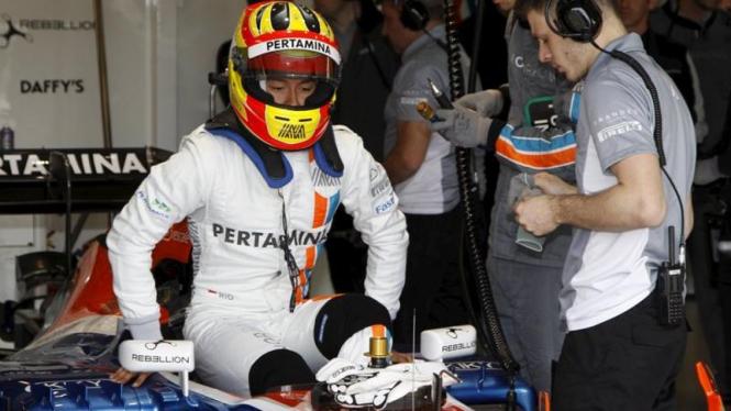 Pembalap Tim Manor Racing, Rio Haryanto.