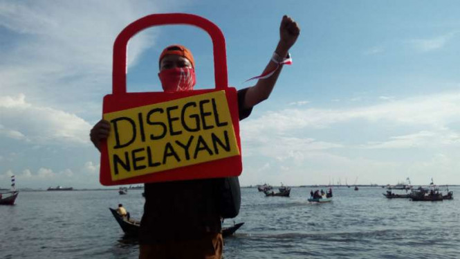 Nelayan gelar aksi damai menyegel pulau reklamasi di Teluk Jakarta
