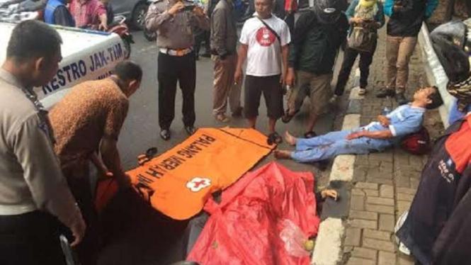 Kondisi korban tabrak lari di Jatinegara, Senin, 25 April 2016.