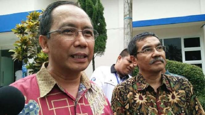 Kepala Lembaga Penerbangan dan Antariksa Nasional (Lapan), Thomas Djamaluddin (kiri).