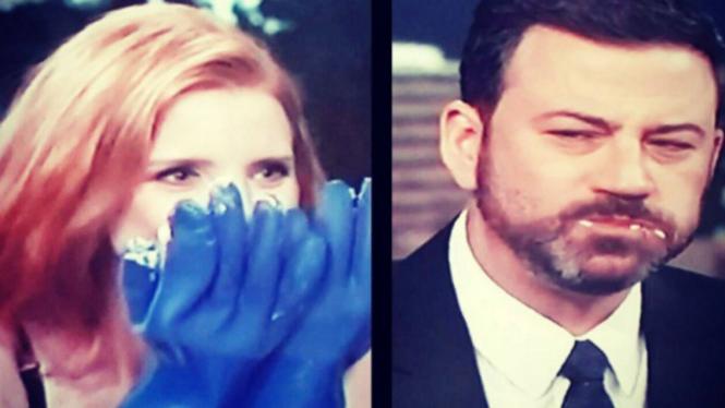 Jessica Chastain dan Jimmy Kimmel makan durian