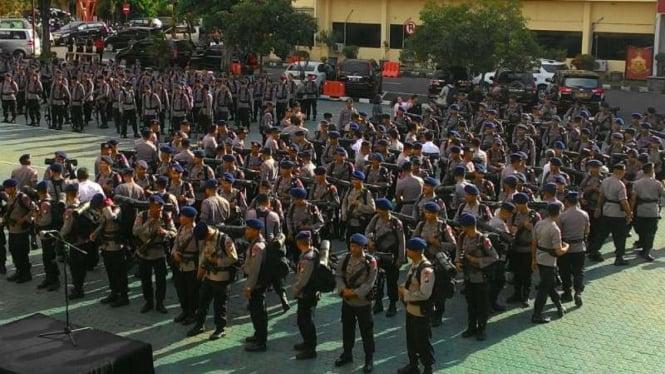 Ratusan anggota Brimob sebelum ditugaskan ke Papua beberapa waktu silam.