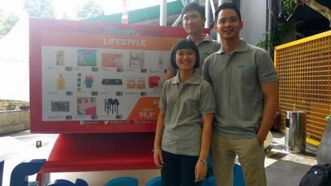 Chief Executive Officer Alfacart, Catherine Hindra Sutjahyo (kiri depan).
