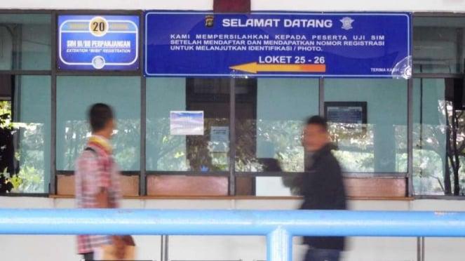 Lokasi perpanjangan SIM di Satpas SIM Daan Mogot, Jakarta Barat,.