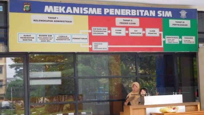 Lokasi pembuatan SIM di Satpas SIM Daan Mogot, Jakarta Barat.