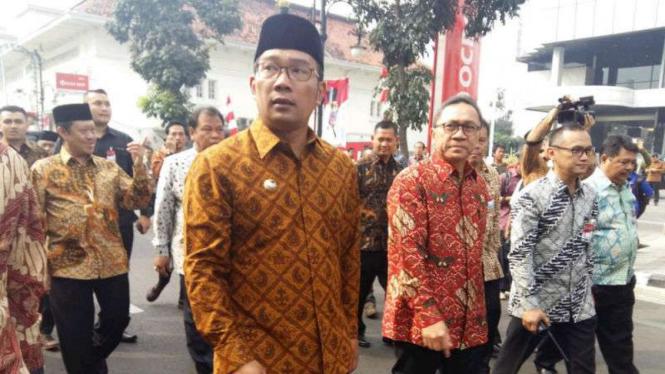 Walikota Bandung Ridwan Kamil dan Ketua MPR Zulkifli Hasan.