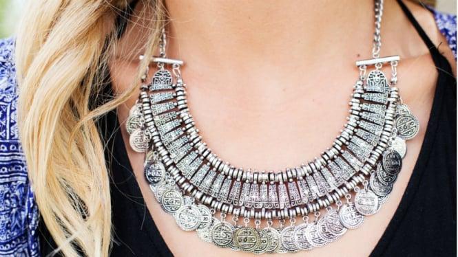 Ilustrasi perhiasan perak