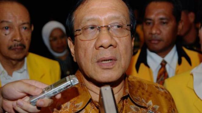 Akbar Tanjung.