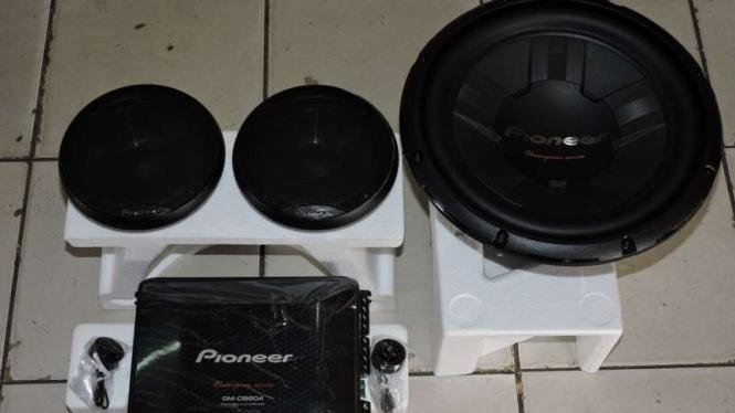 Paket audio yang ditawarkan bengkel di Kemayoran.