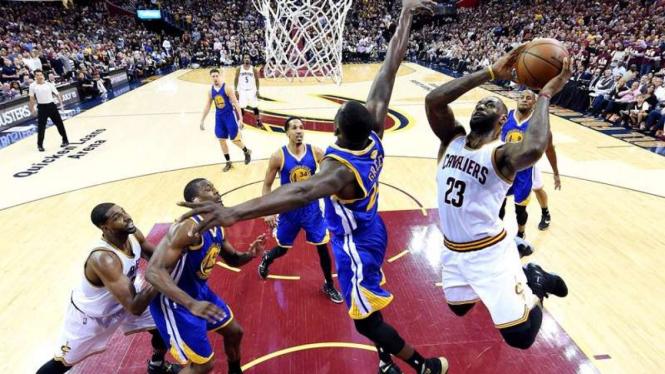 Cleveland Cavaliers melawan Golden State Warriors di NBA Finals 2016