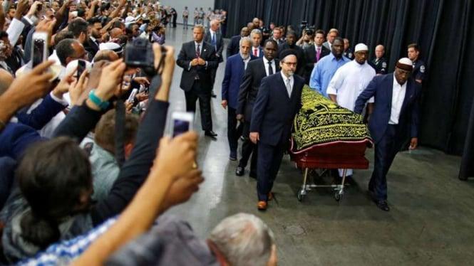 Proses penghormatan terakhir Muhammad Ali jelang pemakaman
