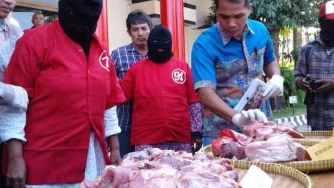 Gelar kasus penipuan penjualan daging babi sebagai sapi