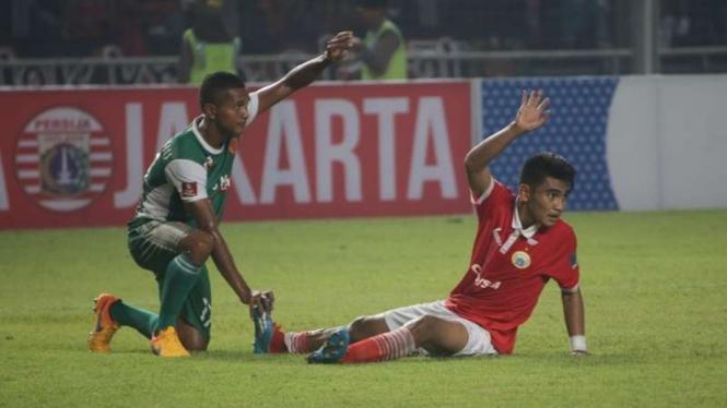 Pemain Persija Jakarta, Abrizal Umanailo, alami cedera lawan PS TNI.