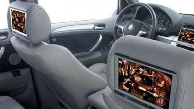 Mau Pasang Tv Di Jok Mobil Berikut Rincian Harganya