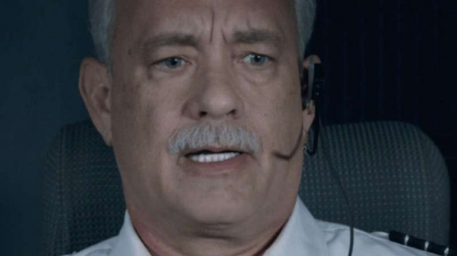 Tom Hanks dalam Sully
