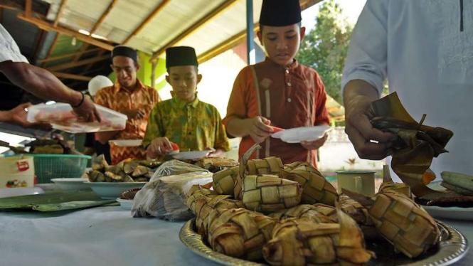 Jejak Tradisi Lebaran Ketupat Tanah Jawa Viva