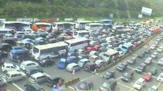 Ilustrasi kemacetan di jalan tol.