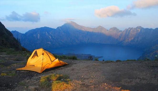 Kemping di Gunung Rinjani, Lombok.