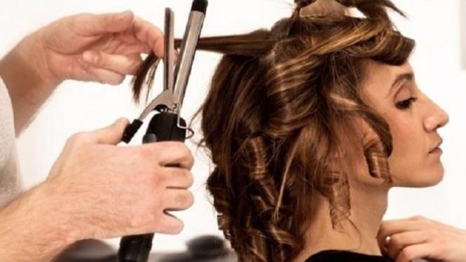Hukum Wanita Mengeriting Rambut dalam Islam – VIVA cafdf03612