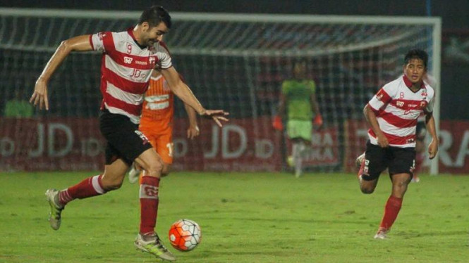 Pemain Madura United, Pablo Rodriguez Aracil (kiri)