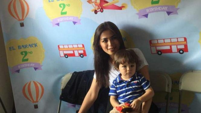 Jessica Iskandar dan Baby El
