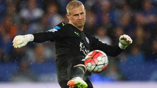 Penjaga gawang Leicester City, Kasper Schmeichel.