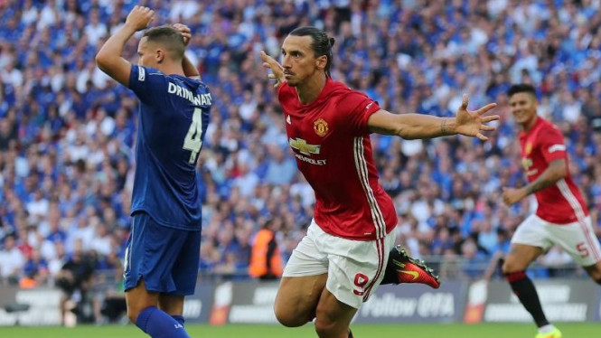 Striker Manchester United, Zlatan Ibrahimovic 2