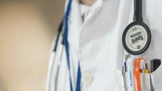 Ilustrasi/Petugas kesehatan