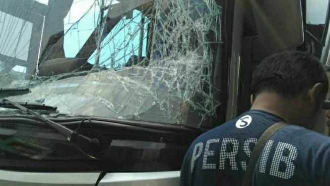 Bus Persib alami kecelakaan di tol Bekasi-Cikampek
