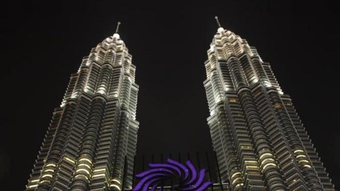 Suria KLCC, di bagian bawah Menara Petronas, Kuala Lumpur, Malaysia.