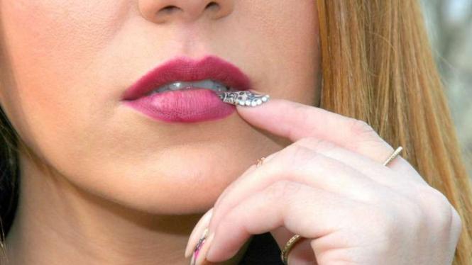 Bibir wanita