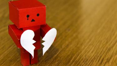 Penyebab Putus Cinta Paling Menyakitkan