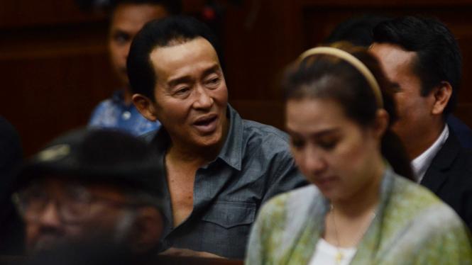 Darmawan Salihin, ayah Wayan Mirna Salihin di ruang sidang Pengadilan Jakarta Pusat