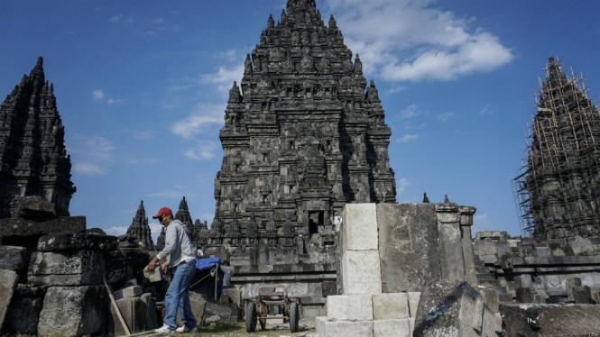 Kompleks Candi Prambanan.