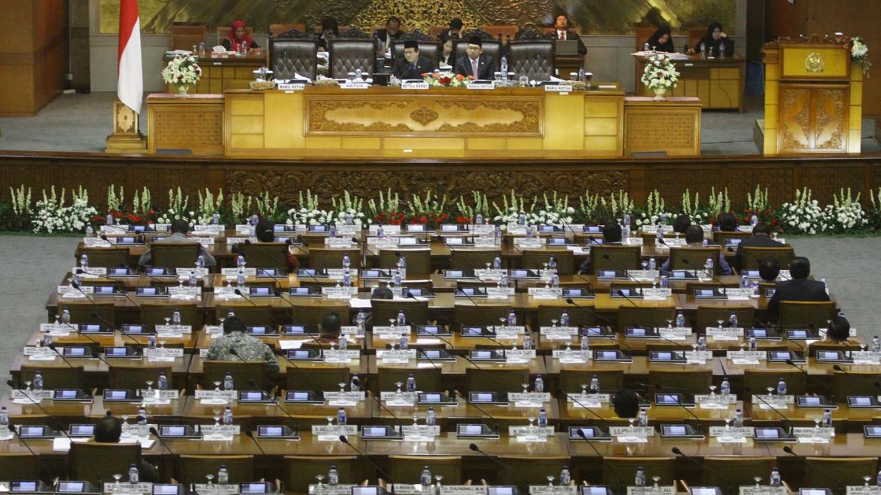 Banyak Kursi Kosong Saat Rapat Paripurna Dpr Bahas R Apbn 2 Viva Bangku Edited Sejumlah Terlihat Yang Digelar Di Kompleks Parlemen Senayan Selasa 30 Agustus 2016