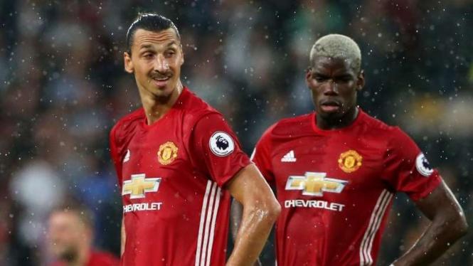 Dua bintang Manchester United, Zlatan Ibrahimovic (kiri) dan Paul Pogba.