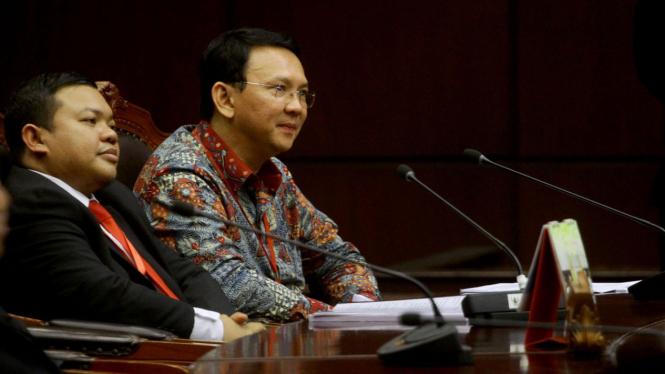 Gubernur DKI Jakarta Basuki Tjahaja Purnama alias Ahok saat ikuti sidang lanjutan gugatan cuti kampanye di Mahkamah Konstitusi.