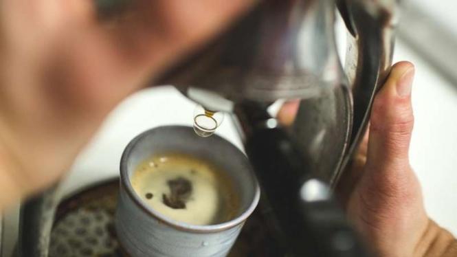 Ilustrasi pembuatan kopi