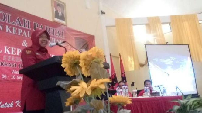 Wali Kota Surabaya, Tri Rismaharini alias Risma, dalam kegiatan sekolah calon kepala daerah yang digelar PDIP di Kota Depok, Jawa Barat, pada Selasa, 6 September 2016.