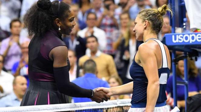 Simona Halep saat berhadapan dengan Serena Williams