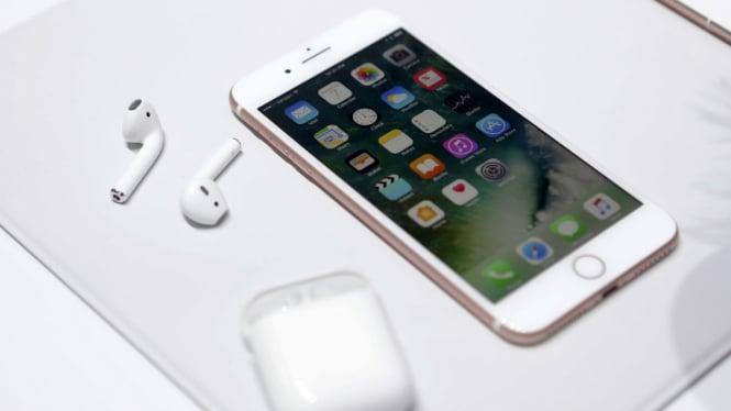 Apple iPhone7 dan AirPods.