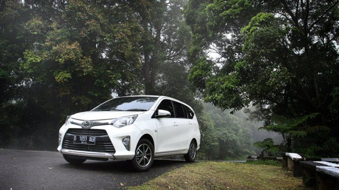 Toyota Calya di Jalanan Bandung