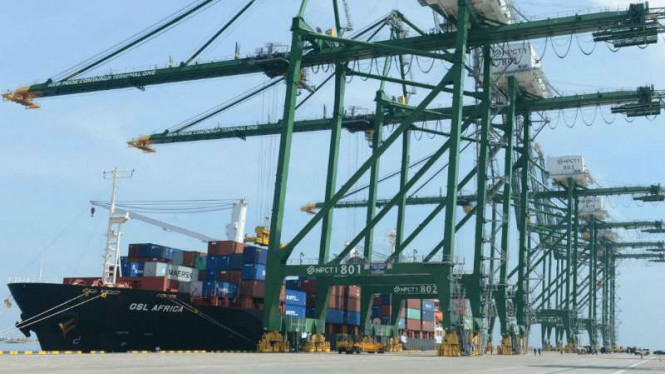 Ilustrasi pelabuhan