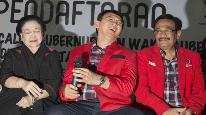 Ahok-Djarot saat daftar ke KPU Provinsi DKI Jakarta.